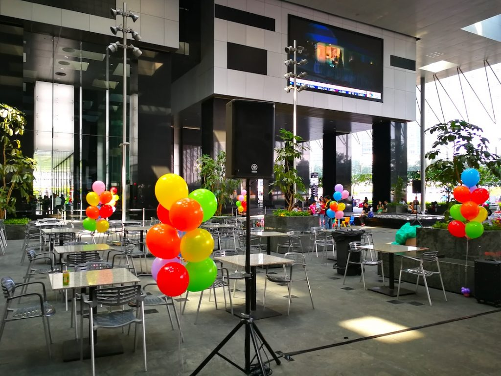 outdoor balloon decoration singapore