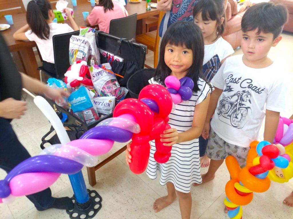 Balloon Twisting for Birthday Party