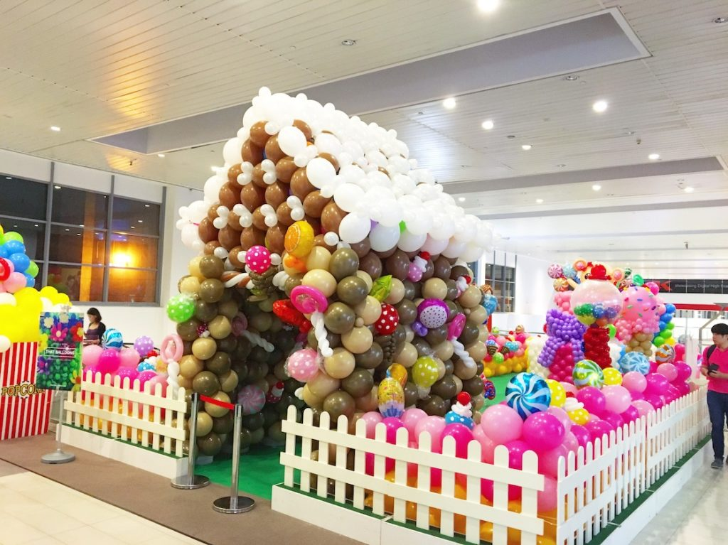 Balloon Decorations for Shopping Mall