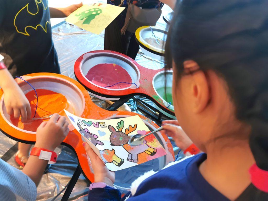 sand art station for kids