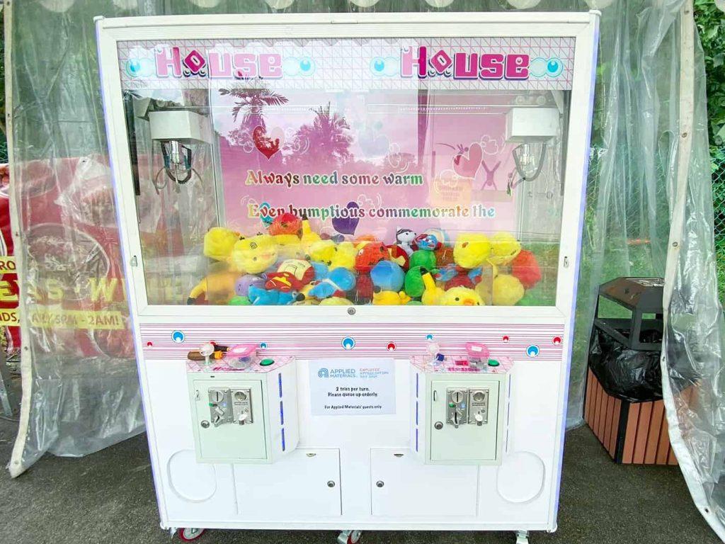 Double Player Claw Catcher Machine Singapore 1