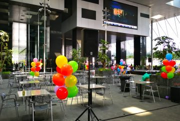 outdoor balloon decoration singapore 1