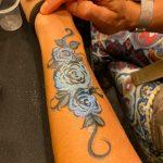 Flower Gitter Hand Painting