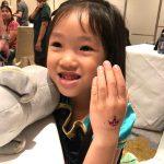 kids glitter tattoo