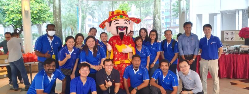 Roving CNY mascots